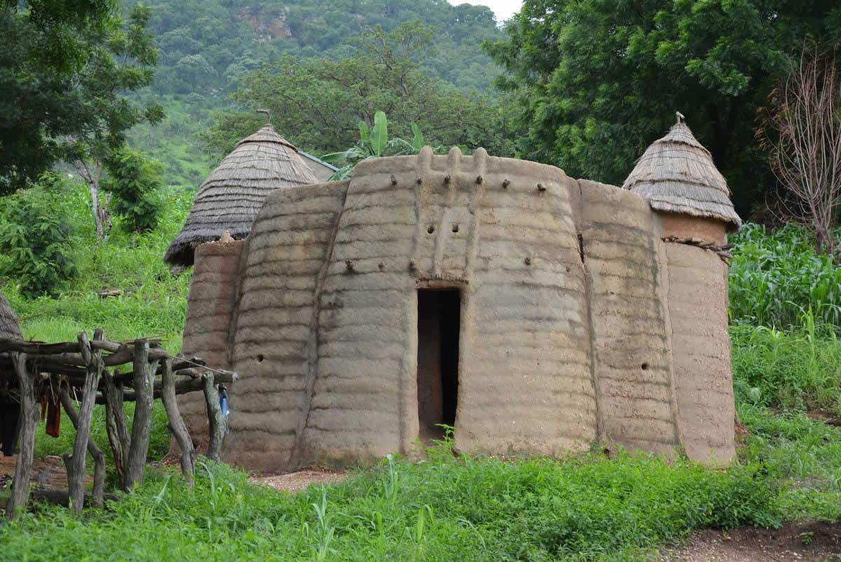 Le paysage koutammakou tamberma patrimoine mondial for Le paysage